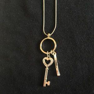 Heart shaped key necklace 💛🗝
